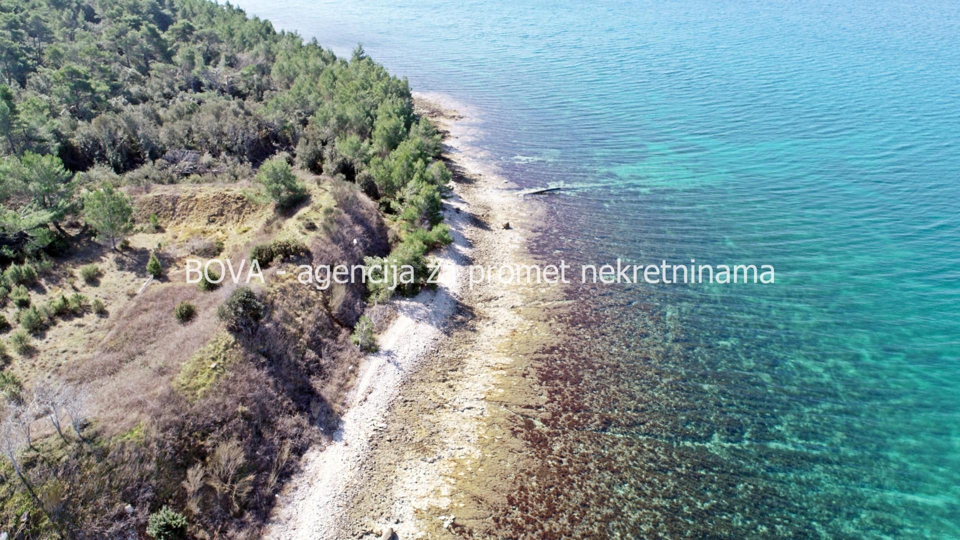 Građevinsko zemljište 4572 m2 u Zatonu, Zadar *PRVI RED DO MORA*