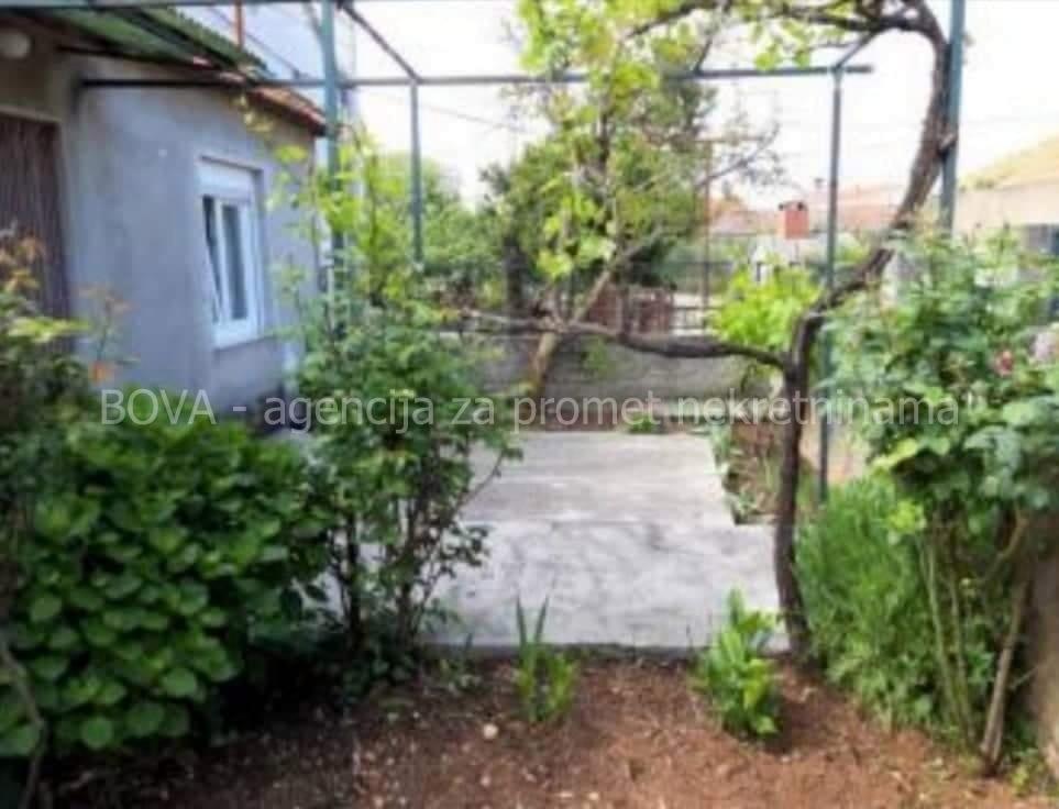 Samostojeća kuća 73 m2 u Turnju, Zadar *140 m OD PLAŽE*