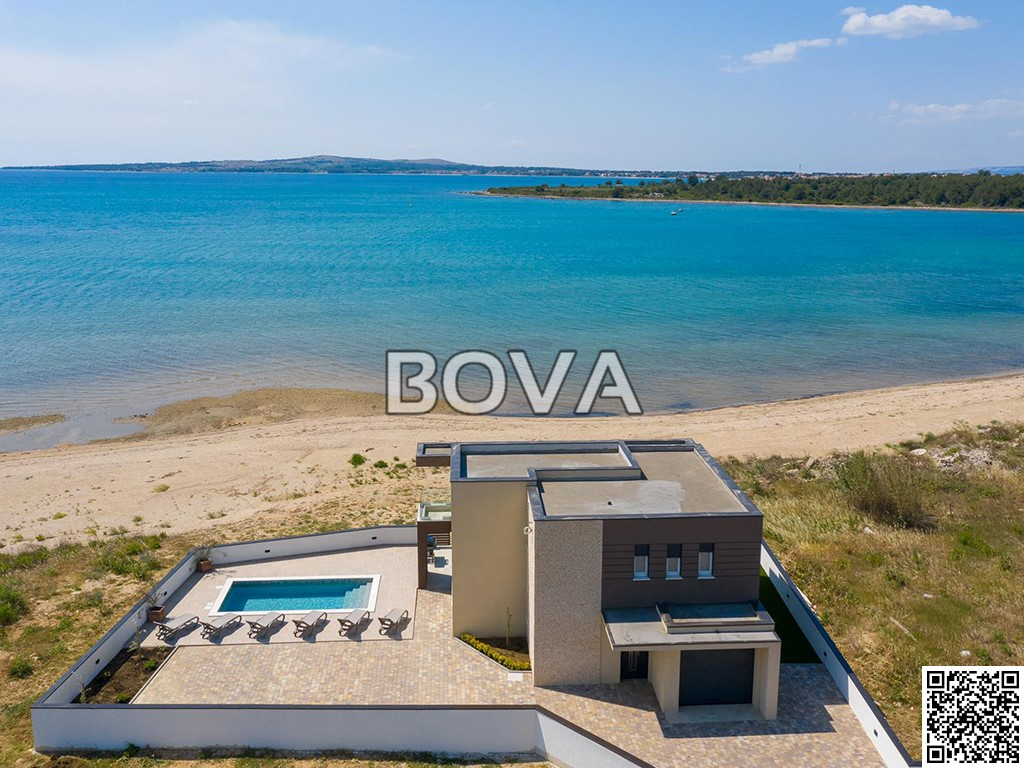 Villa 180 m2 – Privlaka *Prvi red do mora sa bazenom*  (ID-2069)