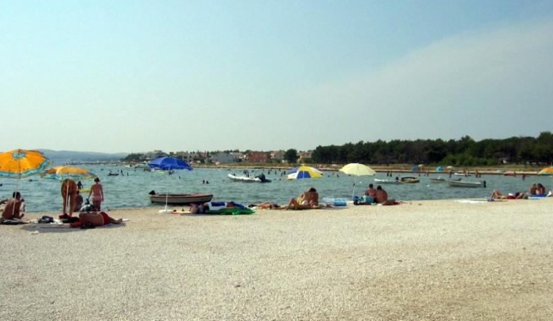 Poljoprivredno zemljište 300 m2 na Viru, Zadar *DRUGI RED OD MORA* *PRILIKA*  (ID-1612)