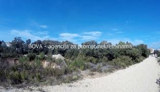 Građevinsko zemljište 828 m2 u Zatonu, Zadar *150 m OD MORA*  (ID-1769)