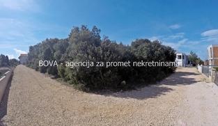 Građevinsko zemljište 828 m2 u Zatonu, Zadar *150 m OD MORA*