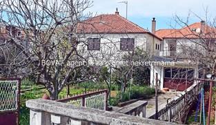 Samostojeća kuća 200 m2 na Stanovima, Zadar *ODLIČNA LOKACIJA*