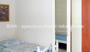 Samostojeća kuća 61 m2 u Vrsima, Zadar *PRVI RED DO PLAŽE* *PRILIKA*