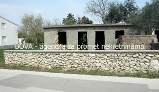 Stara kuća 34 m2 u Vrsima, Zadar *800 m OD PLAŽE* *PRILIKA*
