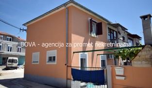 Dvojna kuća 130 m2 u Turnju, Zadar *PRVI RED DO MORA*