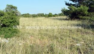Poljoprivredno zemljište 1242 m2 na Viru, Zadar *450 m OD MORA* *PRILIKA*  (ID-1877)