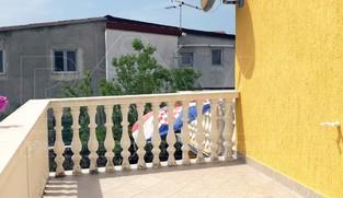 2 samostojeće kuće ukupne površine 370 m2 u Vrsima, Zadar *300 m OD PLAŽE*