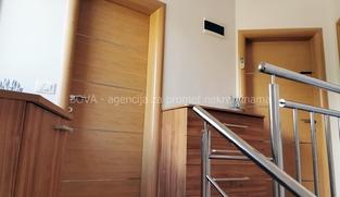 Kuća u nizu 83,18 m2 u Vrsima, Zadar *200 m OD PLAŽE* *PRILIKA*