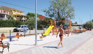 Građevinsko zemljište 403 m2 u Vrsima, Zadar *300 m OD PLAŽE*