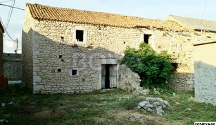 Kamena kuća 168 m2 – Vrsi *550 m OD PLAŽE*