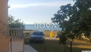 Dvosoban apartman 50 m2 – Vrsi *50m od plaže*  (ID-2039)