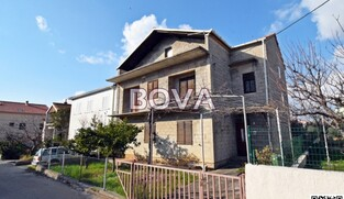Dvojna kuća 380,77 m2 – Borik, Zadar *500 m OD MORA*  (ID-1994)