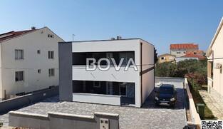 Kuća sa dva stana  135 m2 – Vrsi *300 m od mora*  (ID-2061)