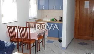 Zgrada sa partmanima 470 m2 – Vrsi *9 apartmana*  (ID-2068)