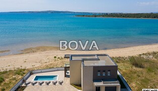 Villa 180 m2 – Privlaka *Prvi red do mora sa bazenom*  (ID-2069)
