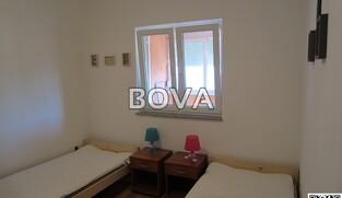 Dvosoban apartman 56 m2 – Vrsi *250m od plaže* (ID-2108)