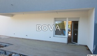 Apartman 93 m2 – Vrsi * 250m od plaže* (ID-2125)