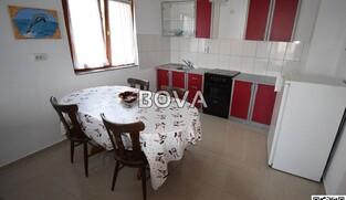 Kuća 280 m2 – Ploča * Garaža 30 m2 * (ID-2136)