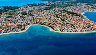 Građevinsko zemljište 600 m2 na Viru, Zadar *PRVI RED DO MORA* *ISPOD CIJENE* *HITNA PRODAJA*