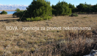 Građevinsko zemljište 600 m2 na Viru, Zadar *180 m OD PLAŽE* *POVOLJNO*