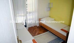 Samostojeća kuća 300 m2 u Biograd na Moru, Zadar *300 m OD PLAŽE*