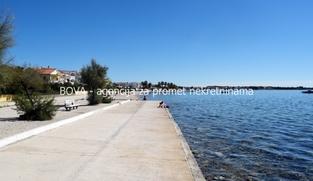 Građevinsko zemljište 1000 m2 na Viru, Zadar *50 m OD PLAŽE* *PRILIKA*